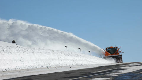 Mountain road snow blower P HD 6330 Live Action