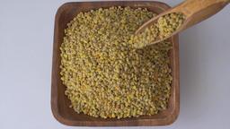 Bee pollen grains Live Action