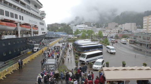 Time lapse of passengers disembarking from a cruise ship... Stock Video Footage