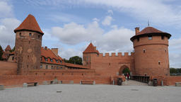External fortification of Malbork castle. Entrance to the castle Acción en vivo