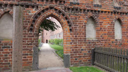 Entrance to the Southern Terrace, Rose Garden. Teutonic Order Castle in Malbork Acción en vivo