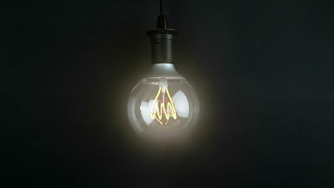 turn on and turn off, with blinking effect, retro vintage light bulb with led technology built-in on ライブ動画