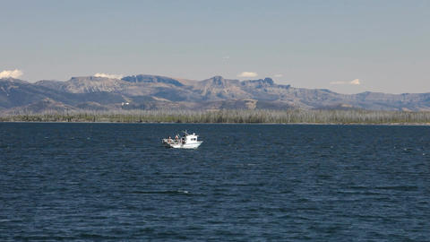 Troller fishing boat Yellowstone P HD 2657 Live Action