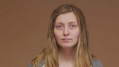 Portrait Of A Girl With Wet Hair Acción en vivo