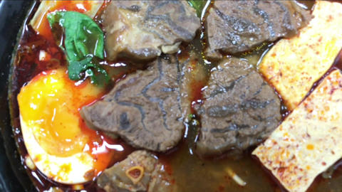 Taiwanese Spicy Beef Noodle 台灣的麻辣牛肉麵, Live Action