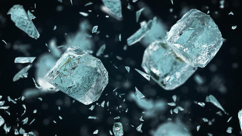 Crushing frosted ice cubes in 4K Slow motion Acción en vivo