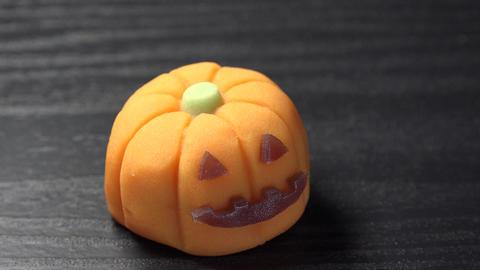 """和菓子 ハロウィンかぼちゃ """"Wagashi""""/Halloween pumpkin ビデオ"""