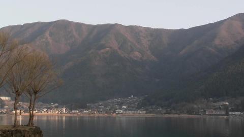 Pan across Lake Kawaguchi, a popular tourist destination... Stock Video Footage