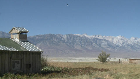 Pan across the Owens Valley to the Sierra Nevada Range... Stock Video Footage