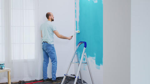 Painting blue wall Live Action