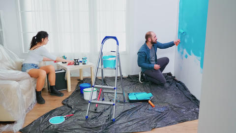 Changing wall paint Live Action