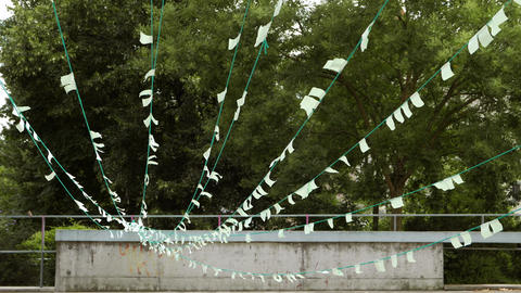 Small loungta flags fluttering in the wind Acción en vivo