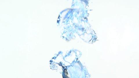 Bubbles in water 4 Acción en vivo