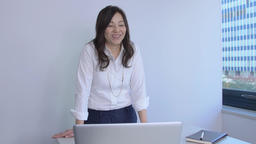 Japanese businesswoman doing a presentation in a modern office Footage