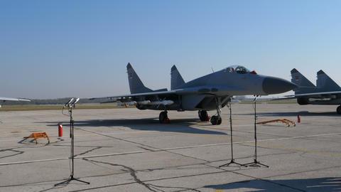 Soviet Military Fighter Jet MiG 29 at Batajnica Belgrade Serbia Airshow ライブ動画