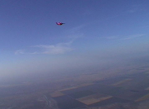 A skydiver free falls Stock Video Footage