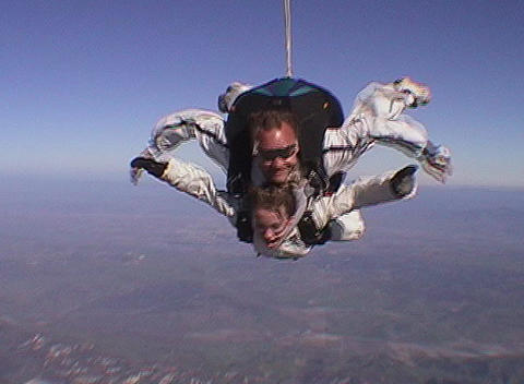 Tandem skydivers free fall Stock Video Footage
