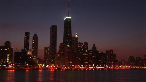 A post-card perfect view of the Chicago skyline at night Stock Video Footage