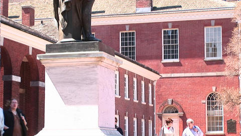 A statue of George Washington stands in front of... Stock Video Footage