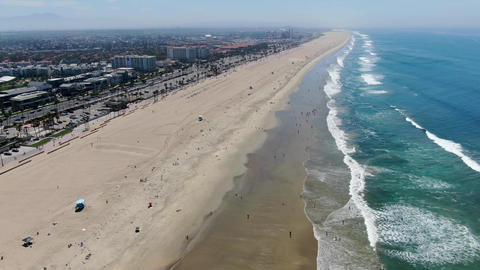 Aerial view of Huntington beach during sunny summer day Acción en vivo