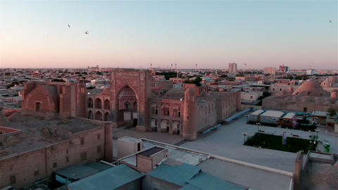Old Bukhara city panorama in the rays of the setting sun, drone aerial ライブ動画