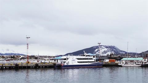 Ushuaia Harbor, in Tierra del Fuego, Argentina ライブ動画