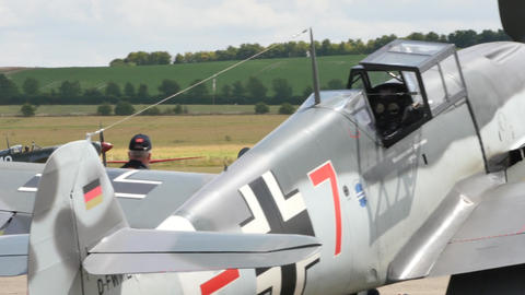Supermarine Spitfire Royal Air Force Combat Aircraft of Second World War Takeoff Acción en vivo