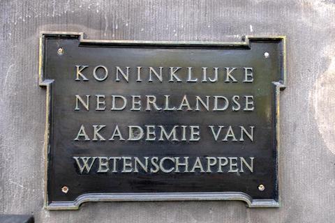Sign Koninklijke Nederlandse Akademie Van Wetenschappen At Amsterdam The Netherlands 22-7-2020 フォト
