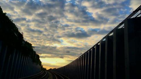Riding A Train ライブ動画