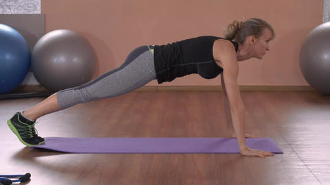 beautiful female intense physical exercise for strong chest ライブ動画