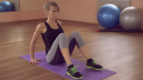 beautiful female intense physical exercise for strong ライブ動画