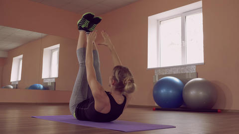 beautiful female intense physical exercise for strong lower abs ライブ動画