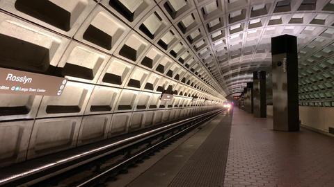 A Subway Train Arriving At The Station ライブ動画