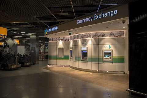 ABN AMRO Bank Behind The Gates Of Schiphol フォト