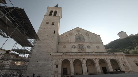 spoleto cathedral in the center of the village ライブ動画