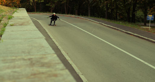 Downhill on a longboard ライブ動画