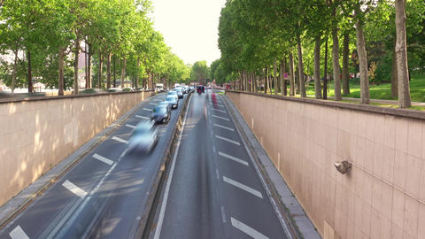 Heavy Traffic in a City Tunnel on a Summer Day Acción en vivo
