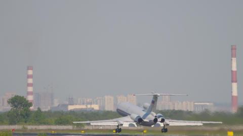 Tupolev Tu-154 departure ライブ動画
