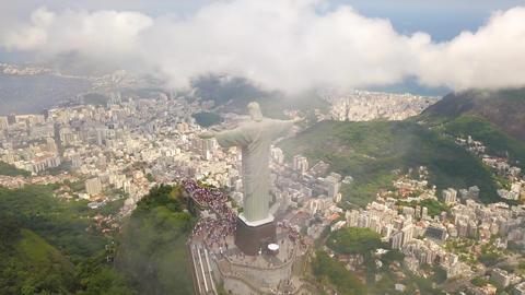 Famous Jesus Statue Over Rio De Janeiro, Aerial View of Christ The Redeemer Acción en vivo