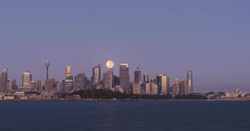 Timelapse of a Strawberry Moonset over Sydney, Australia Acción en vivo