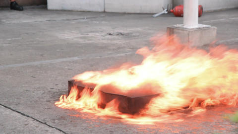 Fire spread - Fire extinguisher Footage