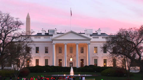 The camera zooms in on the beautiful White House entrance Stock Video Footage
