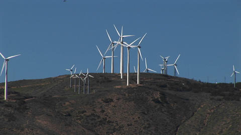 Long-shot of wind turbines generating power at Tehachapi,... Stock Video Footage