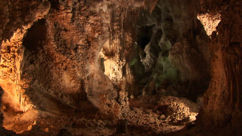 A slow zoom into Carlsbad Cavern cave in New Mexico Stock Video Footage