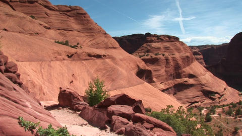 Long shot of Canyon De Chelly in Arizona Stock Video Footage