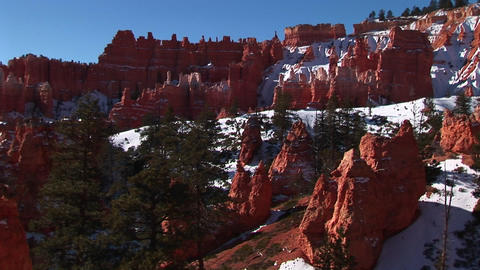 Medium-shot of Bryce Canyon National Park in winter Stock Video Footage