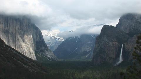 Medium-shot of Yosemite Valley partially veiled under... Stock Video Footage