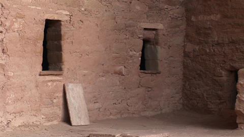 Medium-shot of ruins of a Native American cliff dwelling... Stock Video Footage