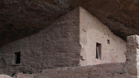 Medium shot of the ruins of Native American cliff... Stock Video Footage