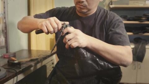 Shoemaker cuts sole Footage